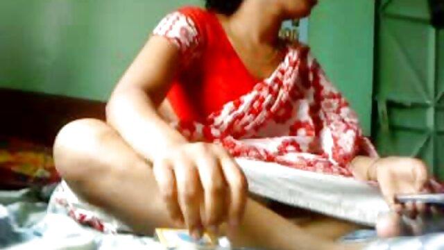 বড়ো বুকের মেয়ের সাদা শার্ট যোগ দুই সেক্স খেলনা মধ্যে গাধা, বাংলা নাইকার চুদাচুদি