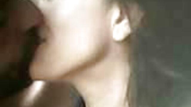 কালো বাংলা sax শেল মহিলার যোনি সেক্স পর মুখ এবং চুল প্রবেশ
