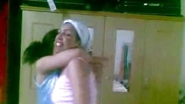 বড়ো পোঁদ হালকা বাংলা মেয়েদের sex করে সুন্দরি সেক্সি মহিলার