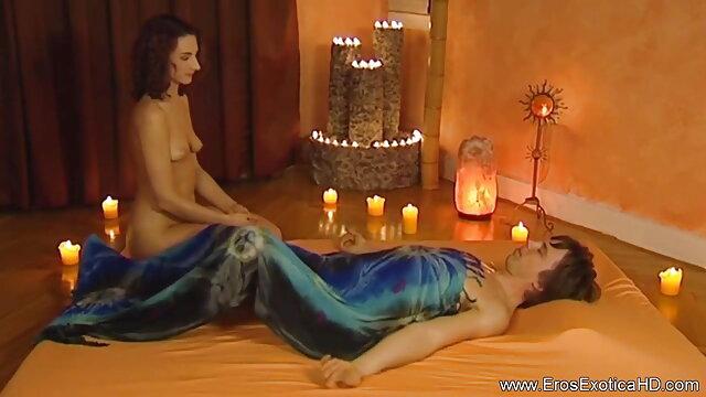 দুই ঝগড়া মুক্ত জন্তু sex বাংলা video প্রেমীদের উপর লাফ দিয়ে