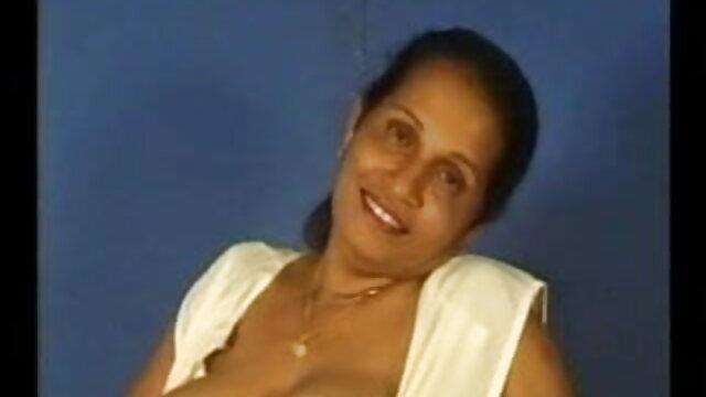 বড় সুন্দরী মহিলা, বাংলা sxx মা,