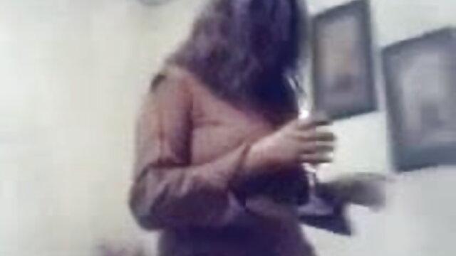 আরো ছোট ছেলে মেয়ের সেক্স ভিডিও ছবি ও ভিডিও দেখুন