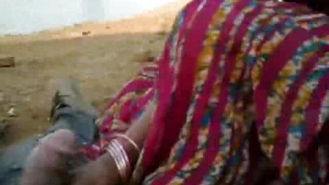 বহু পুরুষের www xnxx com বাংলা এক নারির, প্রহার করা