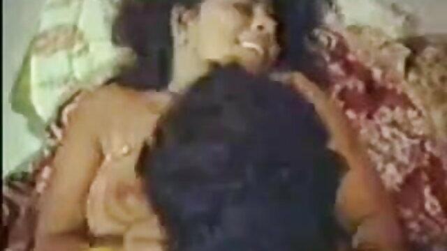 বড় ছোট ছেলেদের সেক্স ভিডিও সুন্দরী মহিলা