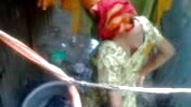 স্বল্প চুল ছিপির সদস্য বাংলাদেশী মেয়ের সেক্স ভিডিও তরুণ অভিযাক্তা সঙ্গে বয়স্ক মহিলার