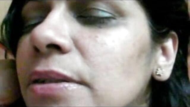 লক্ষ লক্ষ একটি উল্কি বাংলা ছবি xxx video সঙ্গে খুব উত্তেজিত