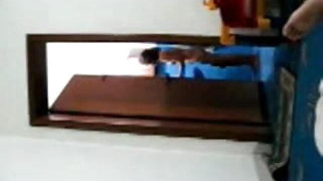 বহু পুরুষের এক xxx বাংলা video নারির, এক মহিলা বহু পুরুষ