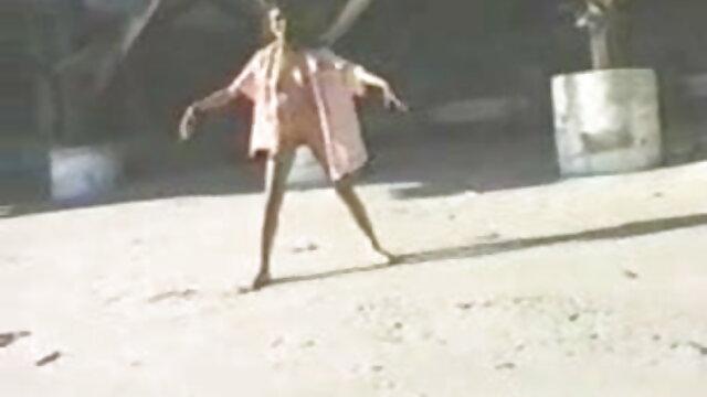রাশিয়ান মেয়ে সাগর দ্বারা বাংলা xxx videos পদযাত্রা